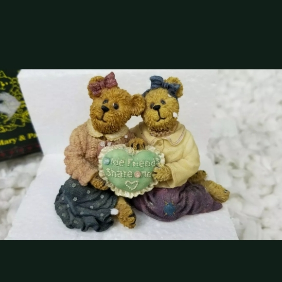 "Boyds Bears Other - 2005 Boyds Bears Mary & Patricia ""Sew Many Year"""